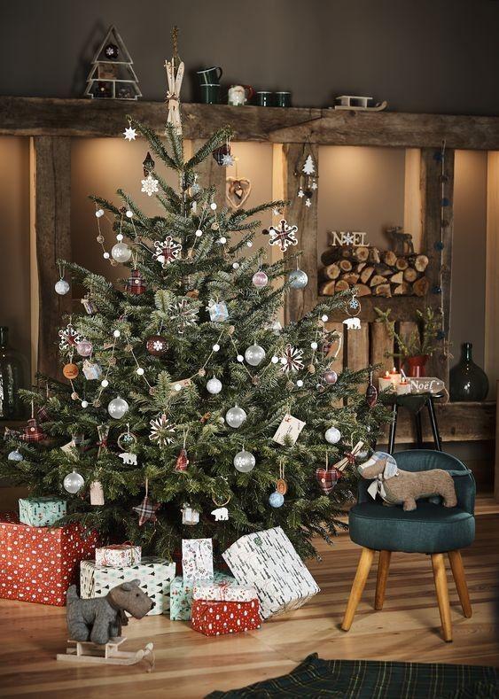 Les 7 Collections Deco Tendance Accessibles De Gifi Pour Noel 2018 Decoration Noel Decorations De Noel 2018 Et Deco Noel Gifi