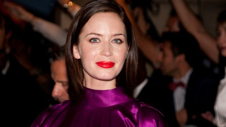 Emily Blunt Labels Relationship With Ex Michael Buble Complicated, Here's Why   http://www.thebitbag.com/emily-blunt-labels-relationship-with-ex-michael-buble-complicated-heres-why/117783
