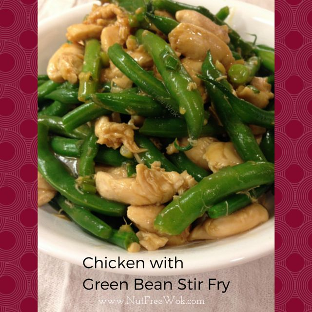Chicken with Green Beans Stir Fry The resulting stir fry had crispy green beans, tender chicken, with a light sauce that is slightly tangy and reminds me of my mom's cooking.
