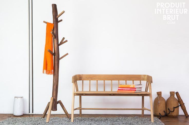 Traiga la naturaleza a su interior con un perchero único de madera maciza.