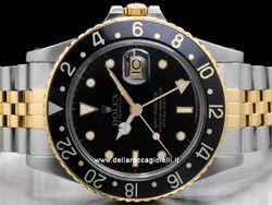 Rolex - GMT Master II 16753 Cassa: acciaio - 40 mm Ghiera: nera Vetro: vetroplastica Colore quadrante: nero Bracciale: jubilee Chiusura: deployant Movimento: automatico