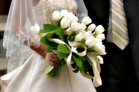 brudebukett får dame