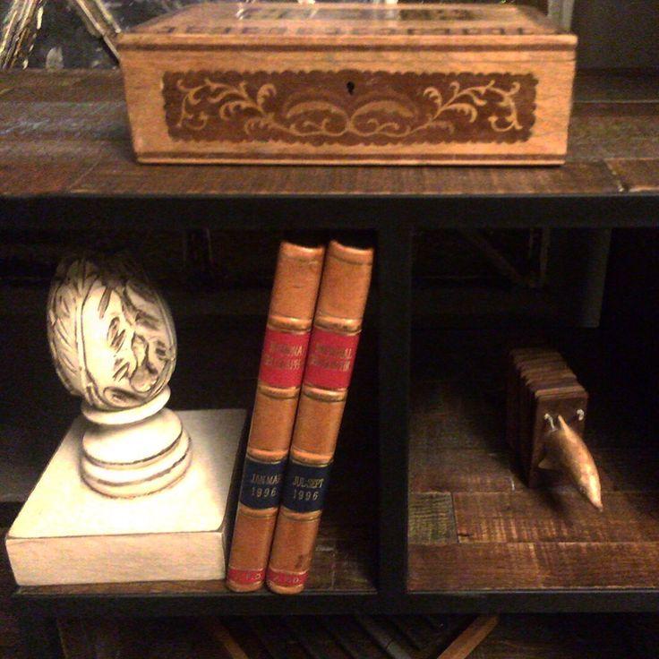 Decoraciones para levantar cualquier librero by BERKANA Shop