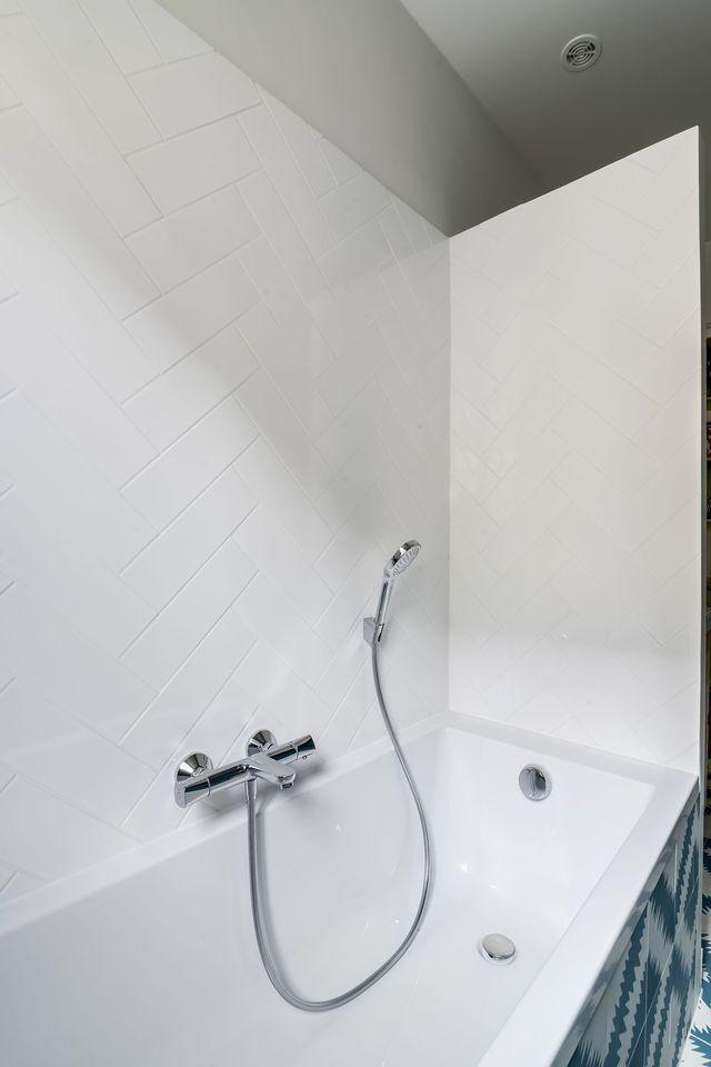 Les 104 meilleures images du tableau bathroom sur - Mettre du silicone autour de la baignoire ...
