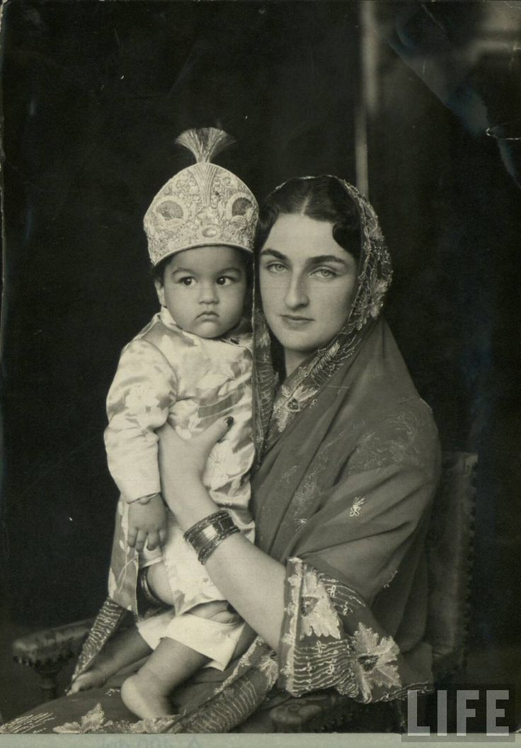 Various Vintage Photographs of Indian Mothers and their Children - Old Indian Photos