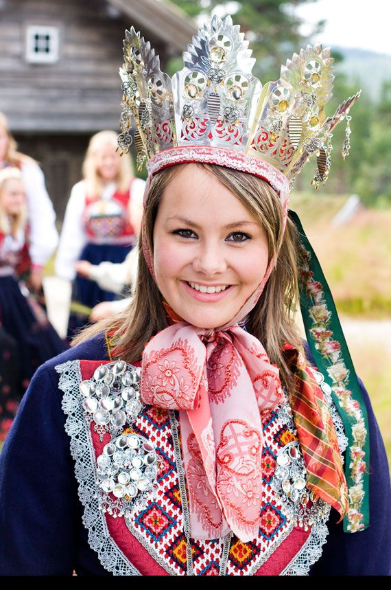 Traditional Norwegian Wedding Clothes