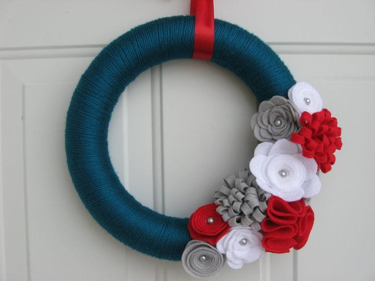 Blue wreath with red, white, and gray