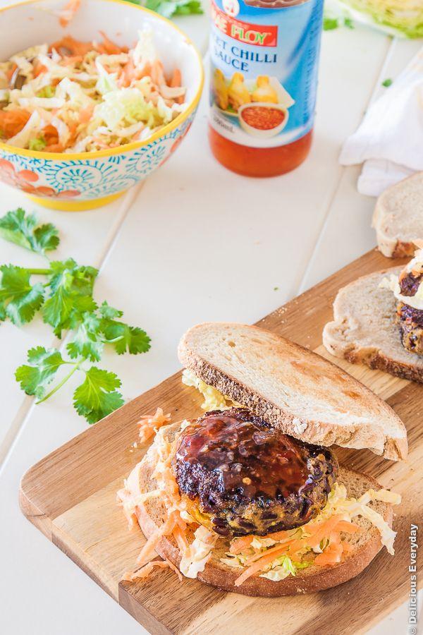 Thai abóbora Arroz preto Burgers receita vegan {+} sem glúten | DeliciousEveryday.com