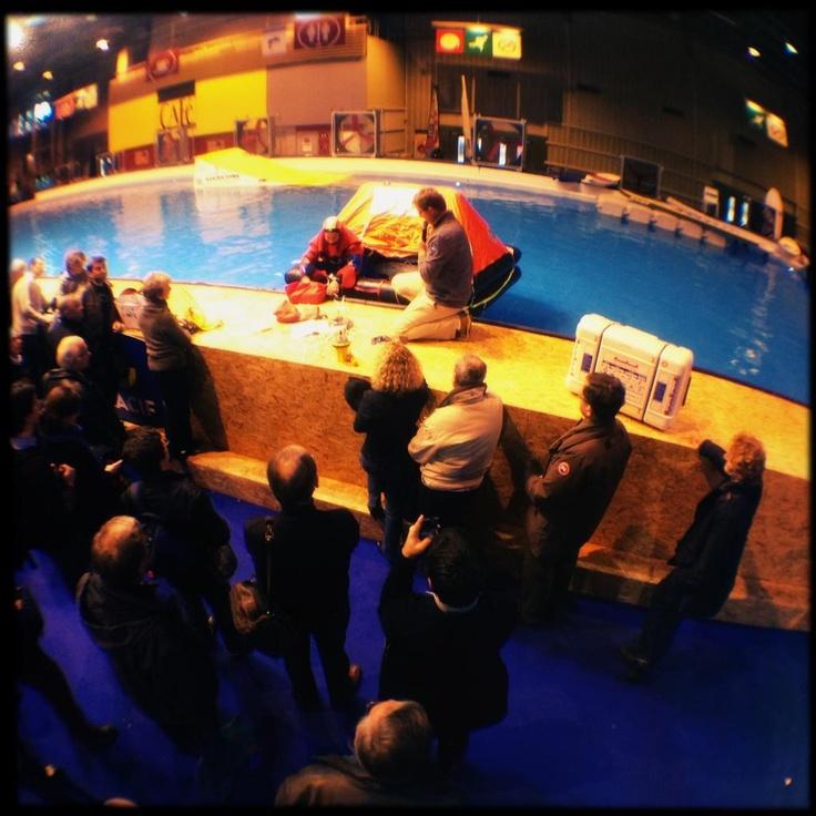 Démonstration radeau de survie par la MACIF centre de voile ! ©Raoul Dobreme