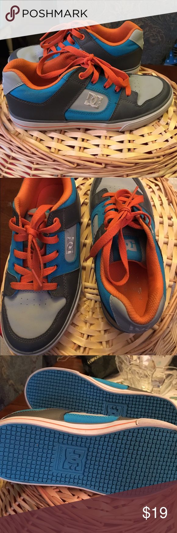 DC sneakers Awesome kids DC sneakers lightly used DC Shoes Sneakers