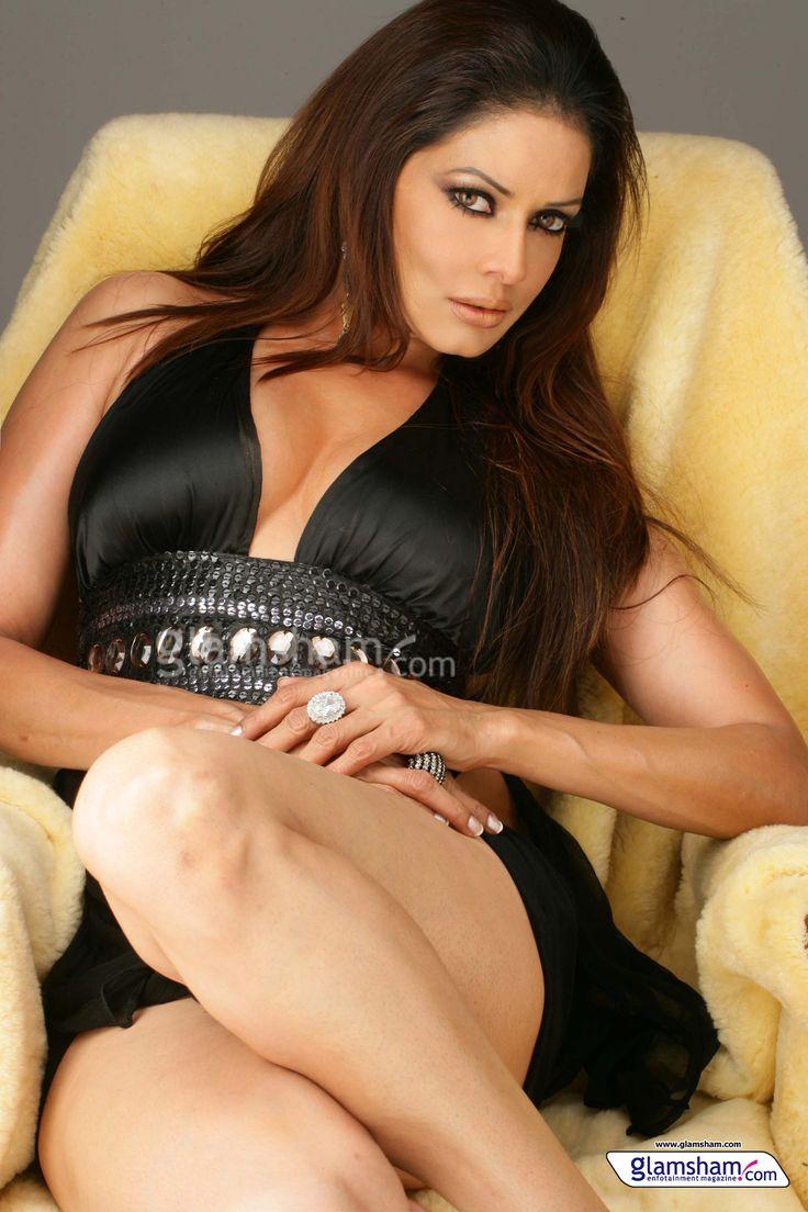 Hot #Poonam #Jhaver in Black. Looking so sexy