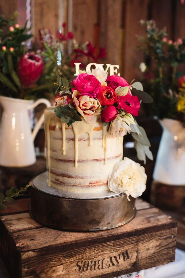 Drizzle Wedding Cake // Photography ~ Pierre Curry