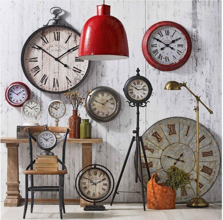 Você já percebeu que existem dois tipos de número 4 nos relógios com números romanos? No nosso #blogdecor você entenderá um pouco melhor essa história!