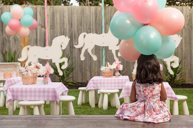 Love this Mary Poppins inspired garden party from Little Big Company!