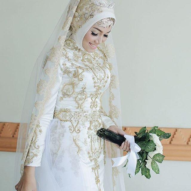 Pengantin Muslim  💄Mua : Sanggar Rias Ayu  Jln Gemah Kencana V rt04 rw02, Pedurungan, Semarang   #Wedding #akad #rias #riaspengantin #simplewedding #traditionalwedding #prewedding #wisuda #riassmg #riassemarang #riaspengantinsemarang #makeup #makeuppengantin #moeslimwedding #muslimwedding #prewedding #paes #paesageng #paessemarang #kebaya #kebayasmg #inspirasikebaya #kebayainspiration #bridalinspirarion #bridal
