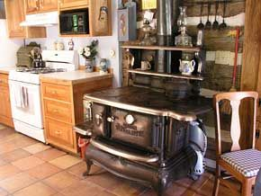 Classic kitchen stove wood. Would love this.
