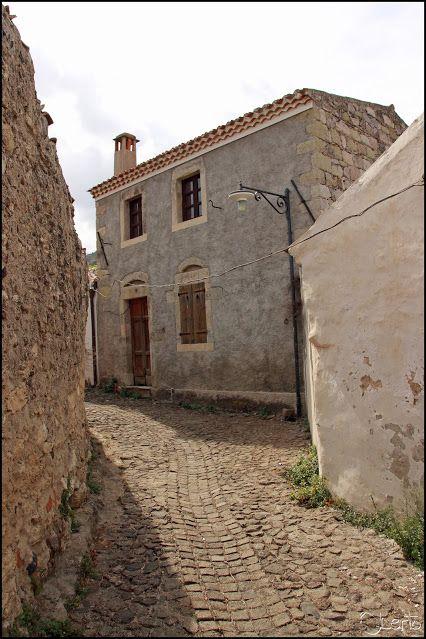 Il medioevo prossimo venturo Bonorva, Rebeccu [Sardegna - I] _ R Oberto - Google+