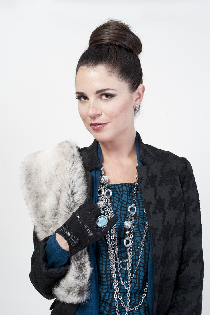 Erica took our faux leather leggings and matched it with a tunic and houndstooth coat; perfect for a night out.  Faux fur - The Bay; jacket - Melanie Lyne; tunic - Jacob; necklace - Suzy Shier
