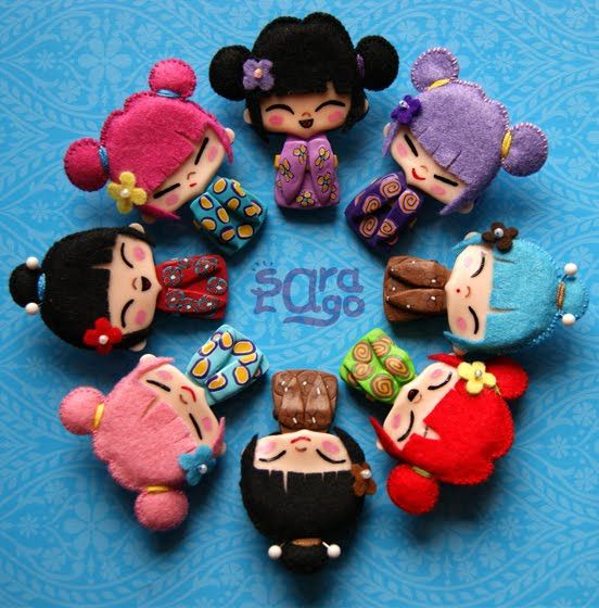 Broches,kokeshi, fieltro