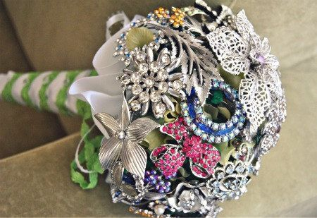 Vintage Brooch Bouquet!!!Brooch Bouquets, Bridal Bouquets, Brooches Bouquets, Wedding Bouquets, Vintage Rhinestones, Vintage Brooches, Brooches Bridal, Broach Bouquets, Rhinestones Brooches