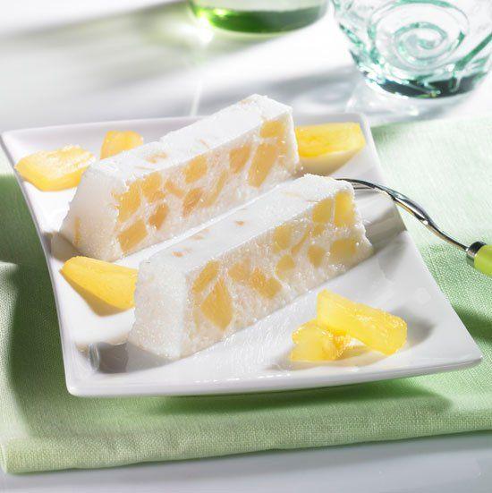 Eis mit Ananas-Kokos Rezept: Leckeres Eis mit Kokos-Sahne-Likör und Ananas aus der Kastenform - Eins von 7.000 leckeren, gelingsicheren Rezepten von Dr. Oetker!