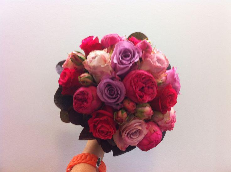 bruidsboeket - bolvormig rood-roze pioenen ne rozen falenopsis boechout