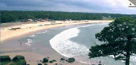 Know India:Daman & Diu, The second smallest union territory in India Daman and Diu are two parts located near Gujarat in India. Daman lies on the Gujarat coast while Diu is an islet in the southern fringe of Kathiawar peninsula. Daman and Diu offers all that a tourist seeks within a small span of land. The place offers a serene getaway with its sleepy villages, opulent greenery, calm beaches and bustling charms of the Mediterranean. The place is frequently visited by beachcombers, shoppers…
