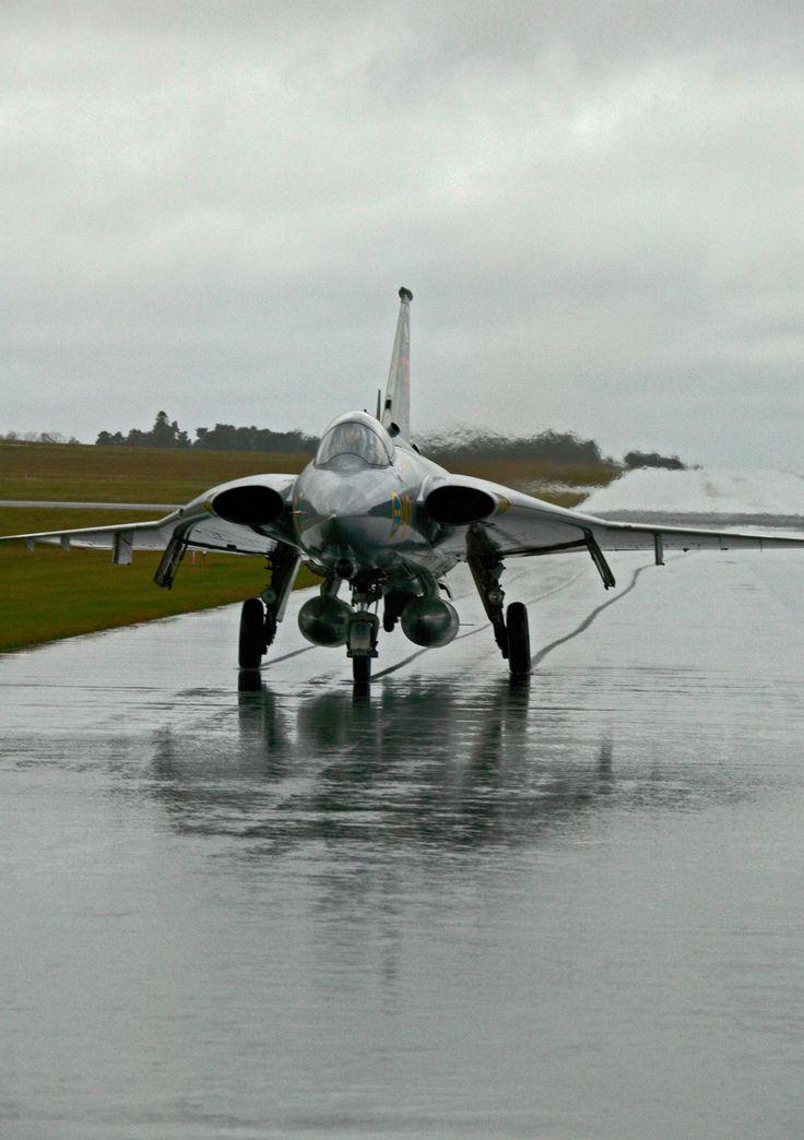 Saab 35 Draken [1280 x 1816]