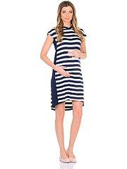 Платье для беременных 40 недель  Платье для беременных из вискозного полотна в полоску. Модель прямого силуэта с капюшоном и с короткими рукавами линия низа по спинке немного удлинённая. Платье легкое и комфортное за счет положительных характеристик ткани и кроя. Вертикальная полоска и вставки по бокам визуально вытягивают силуэт корректируют временные несовершенства делая фигуру стройнее. Платье подходит в период беременности и после рождения малыша.. Платье для беременных 40 недель…