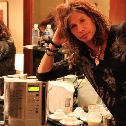 Steven Tyler has Kangen Water (Alkaline Water) Machine! Healthy Living!
