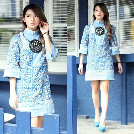 Anastasia Siantar - Arkamaya By Danny Satriadi Batik Tunic Dress, Nicholas Kirkwood Shoes - Arkamaya