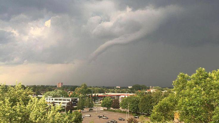 Schwere Unwetter im Westen: Tornado verwüstet Teile Hamburgs