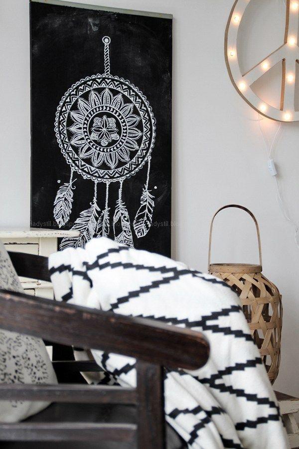 DIY Tafelwand mit einem Traumfänger bemalen Wohnen und dekorieren - wohnzimmer schwarz weiss holz