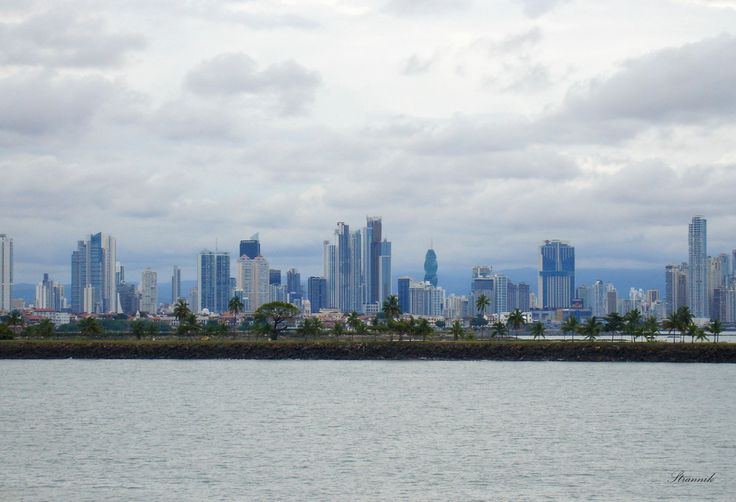 Панама Сити - заход в канал