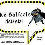 Baixe as plaquinhas divertidas do Batman para você bater várias fotos engraçadas na sua festa!