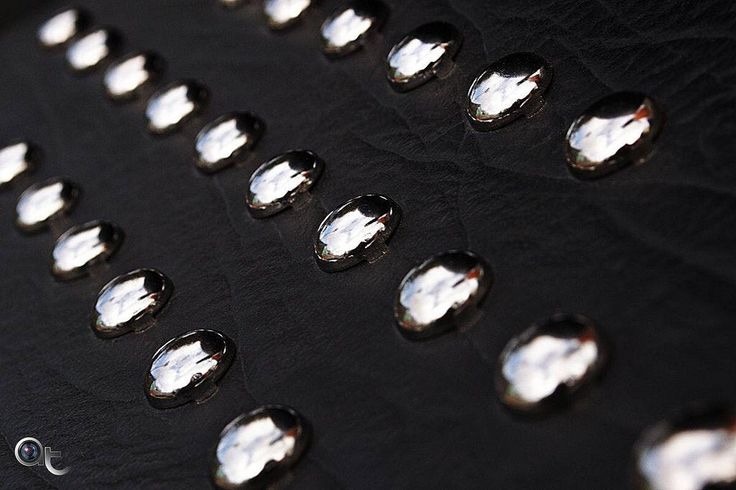 #buttons #vintage #abstract #art #nikontop #nikonphoto_ #simple #minimal #andreaturno @andreaturno #reflections