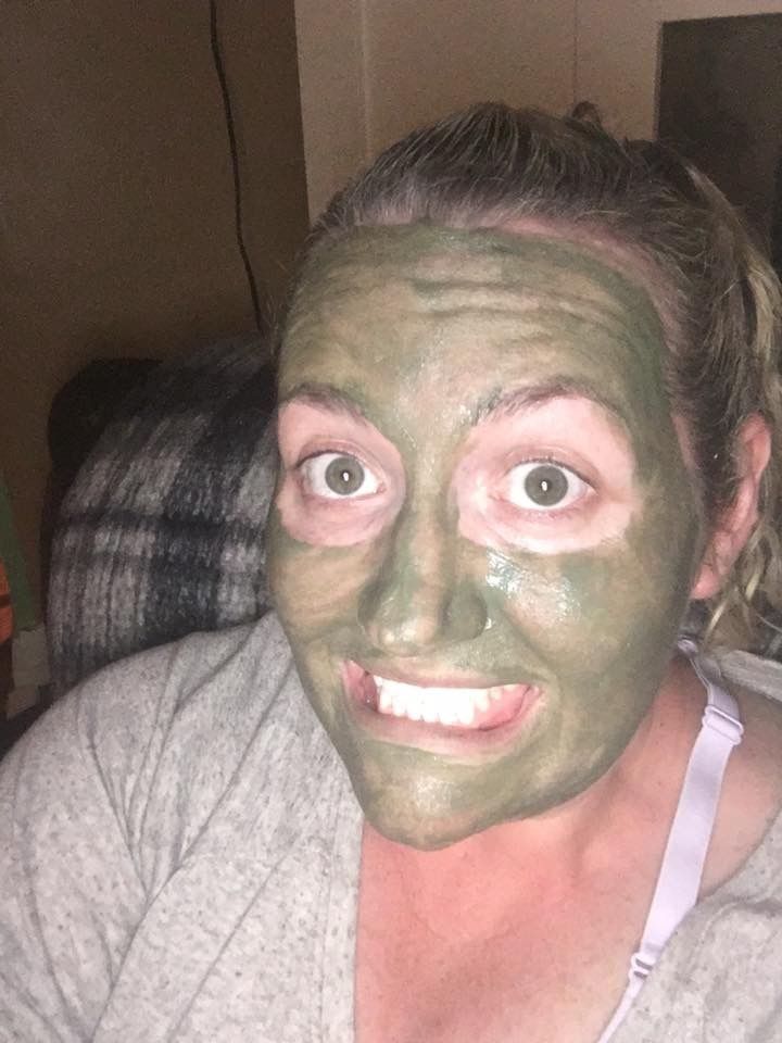 Vesuvio masque, don't strip the natural oils from your skin, detox and nourish your skin with volcanic soil, green tea extract, sodium hyaluronate and more