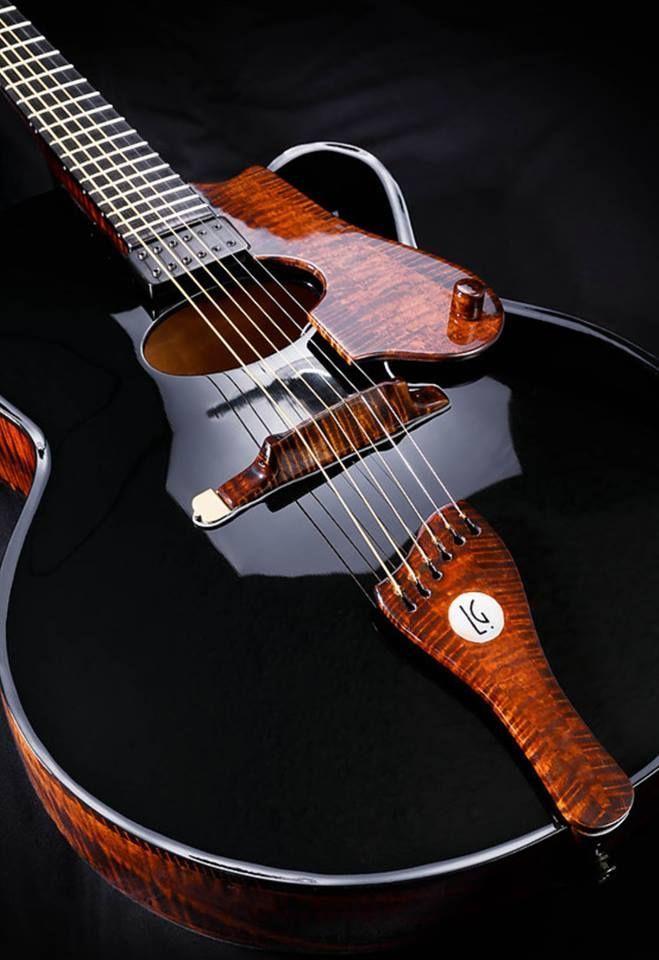 De La Garza's archtop guitars, handmade in Mexico, looks like liquid