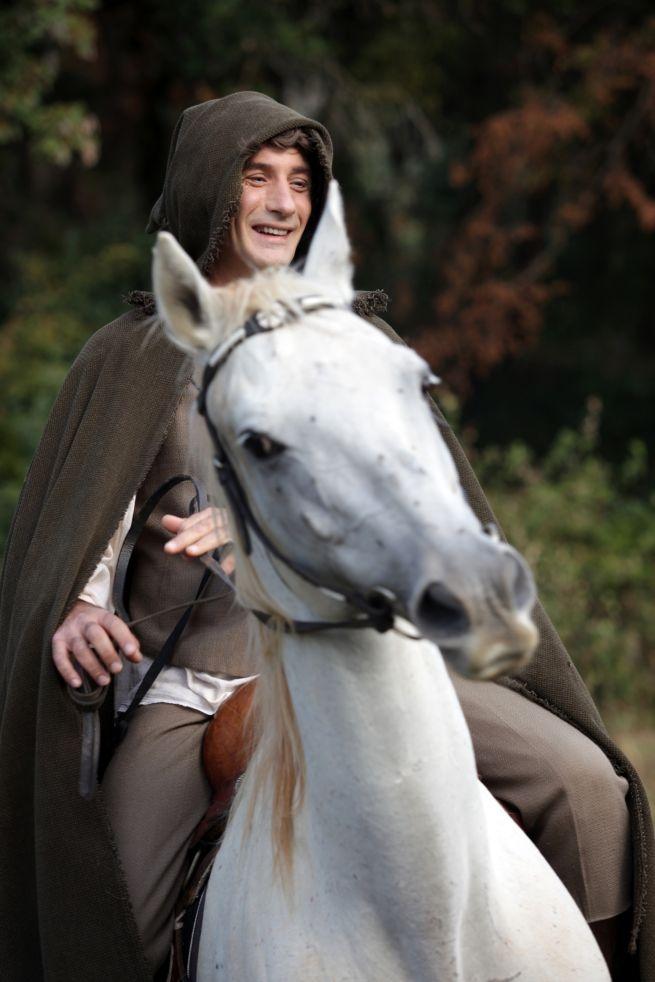 Hobbit, una storia vera. Le foto del backstage: Vincenzo Venuto a cavallo