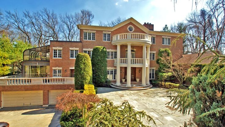 "New blog post ""The Most Expensive homes sold on Staten Island in 2012""   Let's take it to another level!   http://statenislandlifestyle.com/2013/the-most-expensive-homes-sold-on-staten-island-in-2012/"