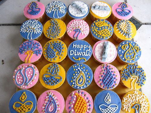 Diwali cupcakes, I love the choice of colours used
