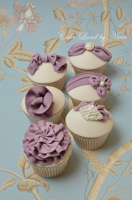 Purple wedding cupcakes - I love the fabric effect on cakes so one day I decided to play a bit and this is what I came up with :)