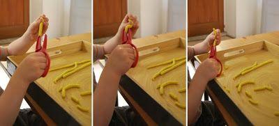 """Atelier d'inspiration Montessori """"apprendre à découper"""""""