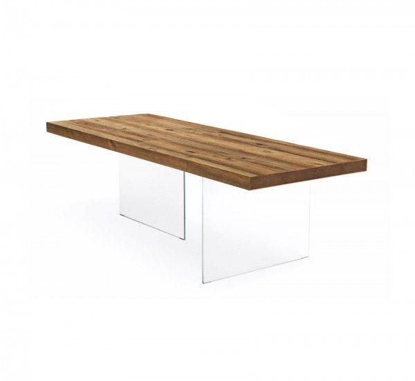 Air Wildwood è un tavolo di Lago, con teste chiuse, si caratterizza per essere un tavolo caldo e leggero. Air Wildwood è un tavolo che è stato concepito partendo da un piano in rovere, ma che avesse l'accezione di
