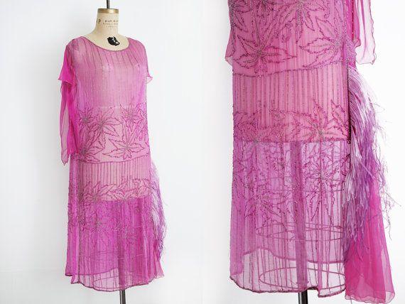 1920's Dress / Vintage 20s Dress / Flapper Dress / Art Deco Dress / Beaded Dress / size Medium