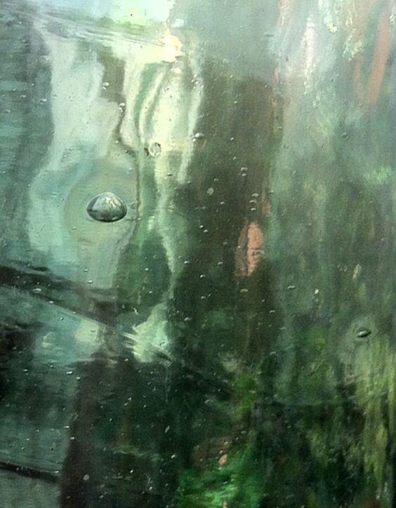 Ésto es vidrio de un botellón antiguo. Me gusta ponerlo al sol y ver los distintos tonos de luz que emergen. #fotografía #photo