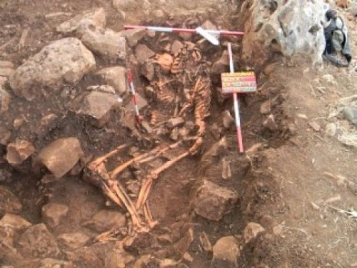 Archaeologists Uncover Ancient 'Spooning' Couple in Greece -- ScienceDaily