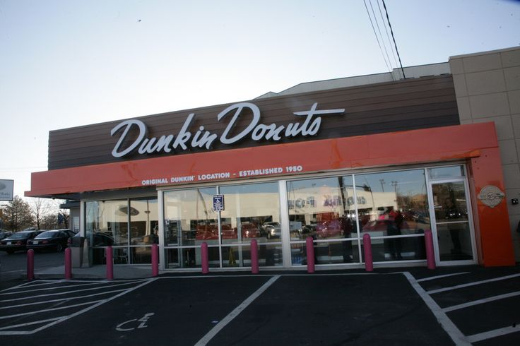 America's favorite donut shop probably has some interesting secrets, if not funny stories, about the day-to-day. If you ever wanted to know what happens behind the stall, today is your lucky day! A franchise owner at a location that regularly attracts a line out of the door revealed some interesting facts about the chain he …