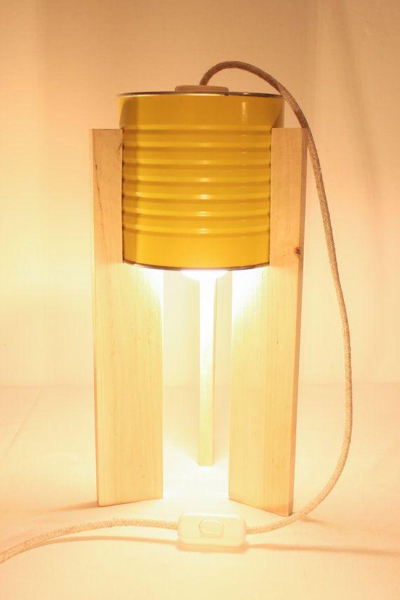 Lampada da tavolo gialla. Eco-lampada. Upcycling di studioGET