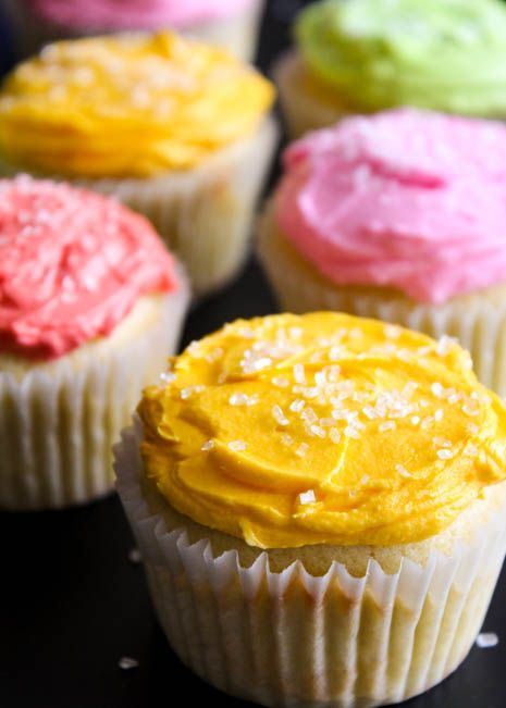 VODKA Cupcakes! Cakes made with Cake flavored vodka, icing with whipped vodka. Did dessert just get a little bit more tempting?!